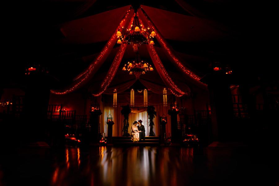 Romantic wedding at the Eylisian Ballroom in Portland, Oregon photographed by Portland wedding photographers, Daniel & Lindsay of Stark Photography (20)