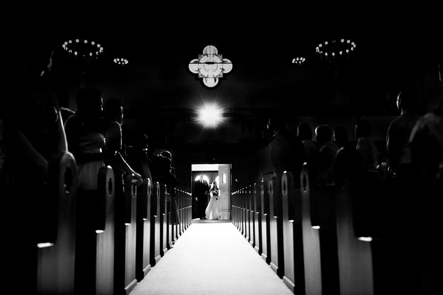 brides walks down with her Dad photo by Portland wedding photographer Daniel Stark