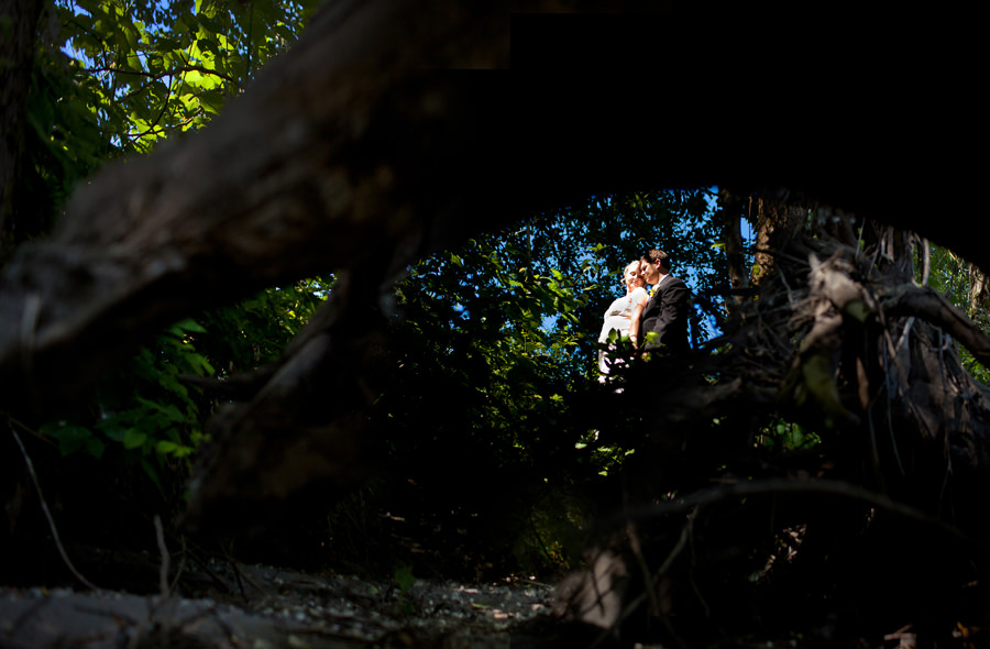 Anna and Rob married at the Troutdale House outside of Portland, Oregon. Photographed by Portland wedding photographer, Daniel Stark. (2)