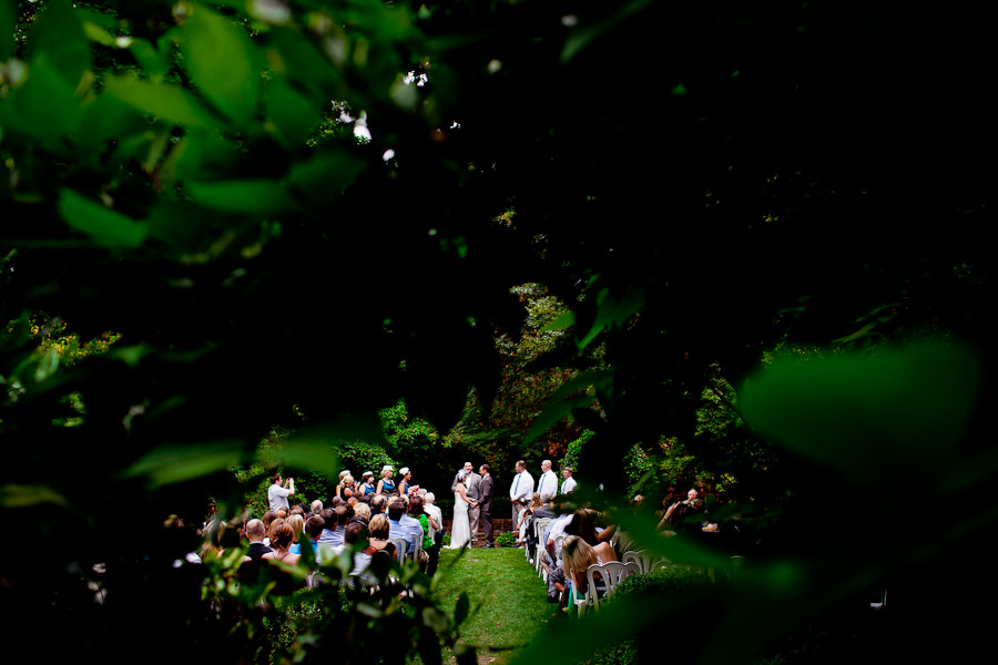 A intimate wedding with Dorothy and Jacob at the Deepwood Estate in Salem, Orgon photographed by Portland and San Francisco wedding photographer, Daniel Stark. (12)