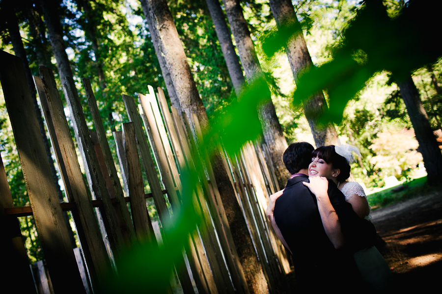 A fun French theme wedding at Camp Colton, Oregon by wedding photographers, Daniel and Lindsay Stark of Daniel Stark Photography. (16)