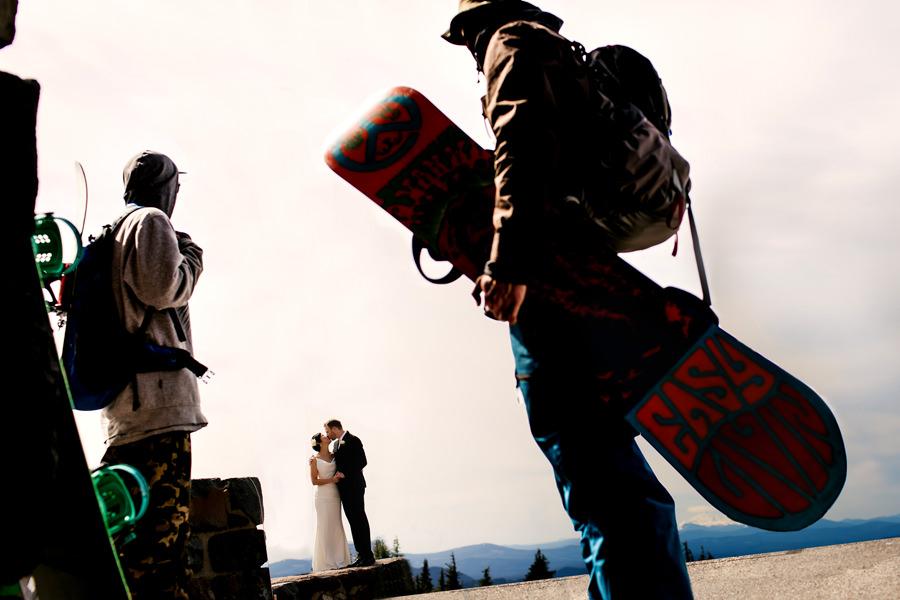 Timberline Lodge wedding on Mount Hood by wedding photographers, Daniel and Lindsay Stark of Stark Photography. (12)