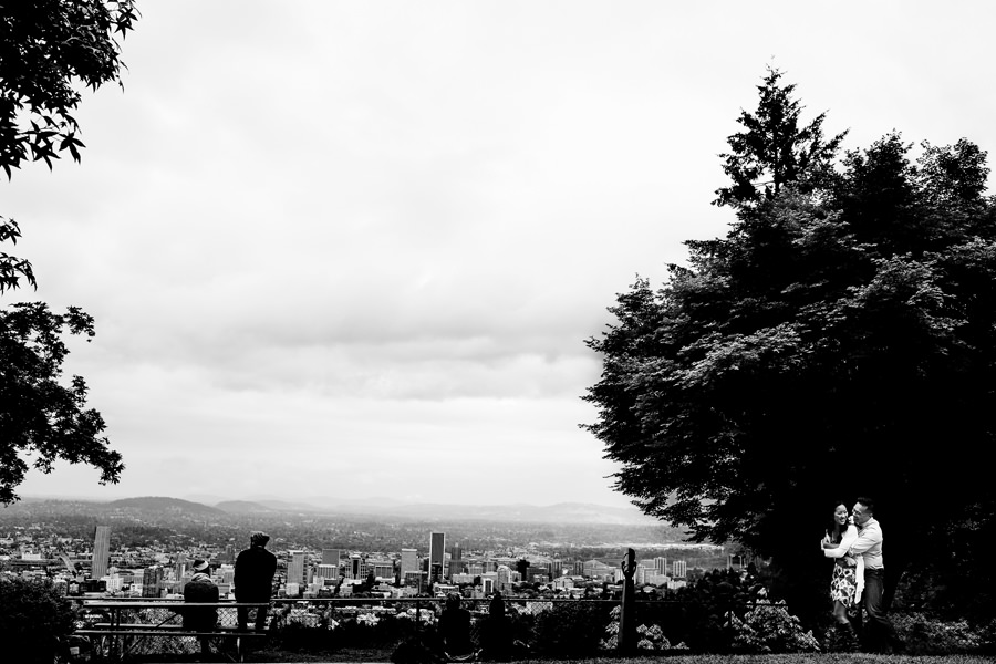 Pittock Mansion Engagement Wedding Photos (4)