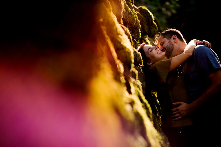 Engagement session at the horsetail falls in Columbia Gorge (5)