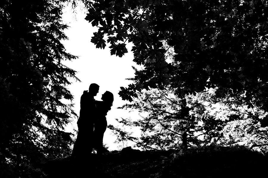 Engagement session at the horsetail falls in Columbia Gorge (2)