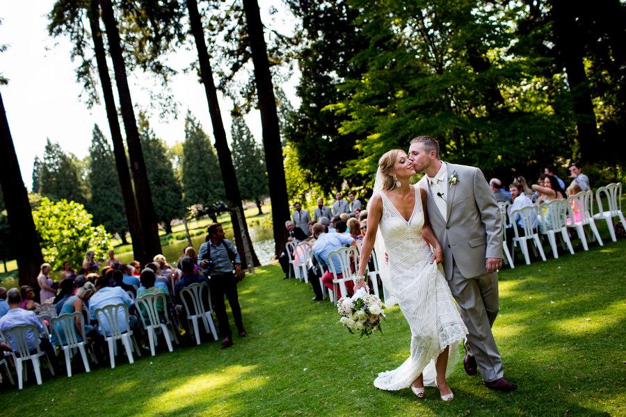 portland_rhodoendron_garden_wedding008