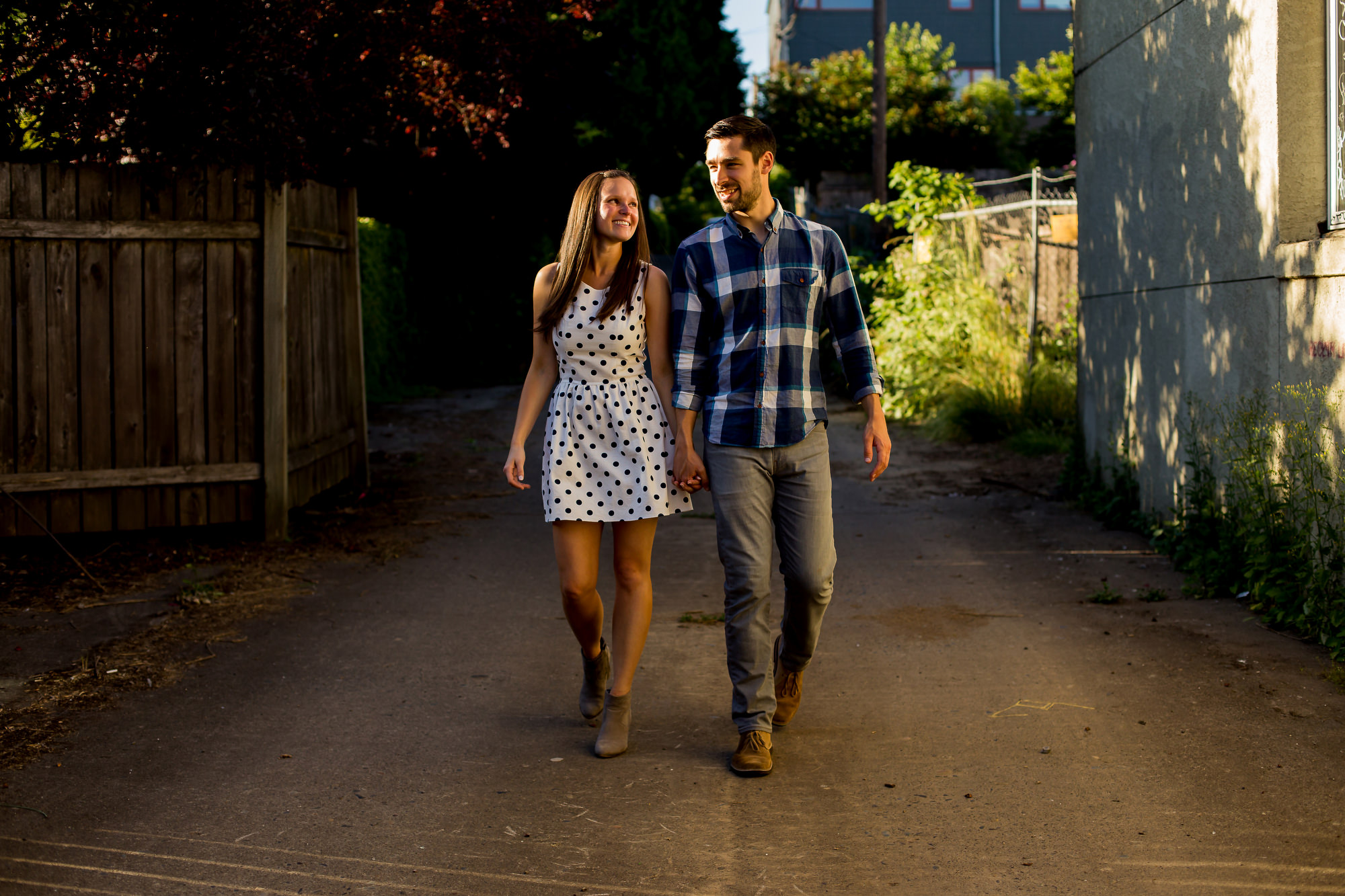 A fun lifestyle engagement shoot on Mississippi Street in Portland by Oregon and California Photographers Daniel and Lindsay Stark. (4)
