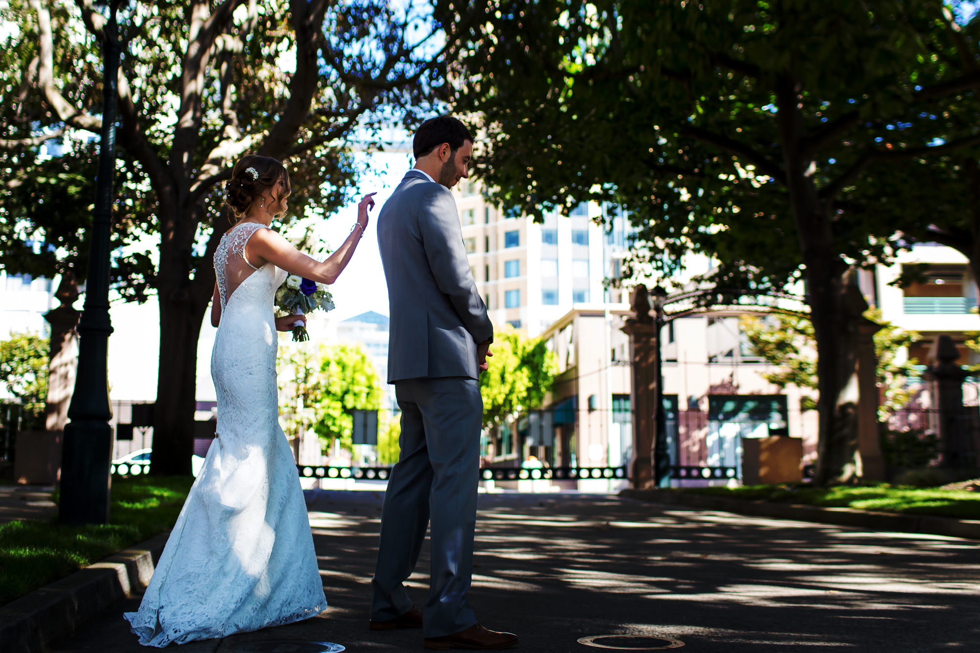Outdoor wedding in Preservation Park in Oakland, California by destination wedding photographers, Daniel and Lindsay Stark of Stark Photography. (29)