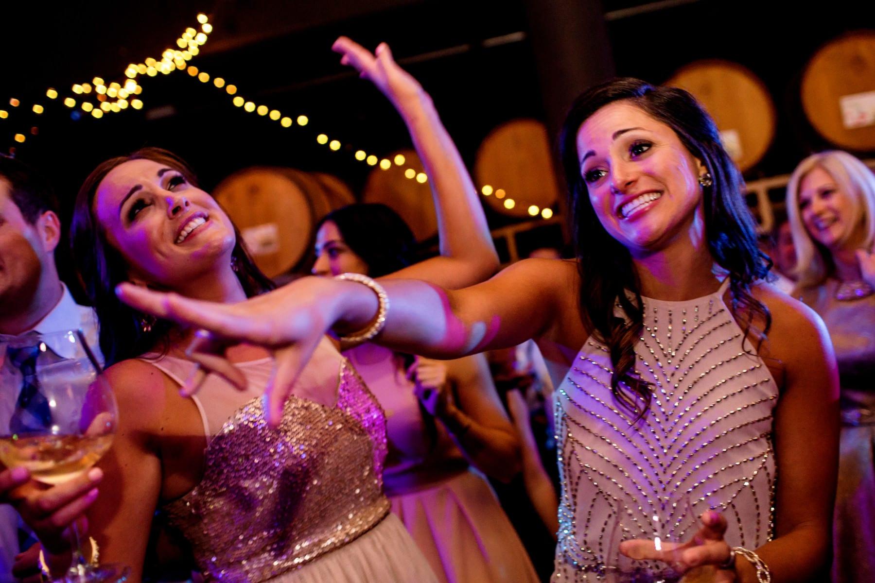 Willamette Valley Vineyards Wedding (8)