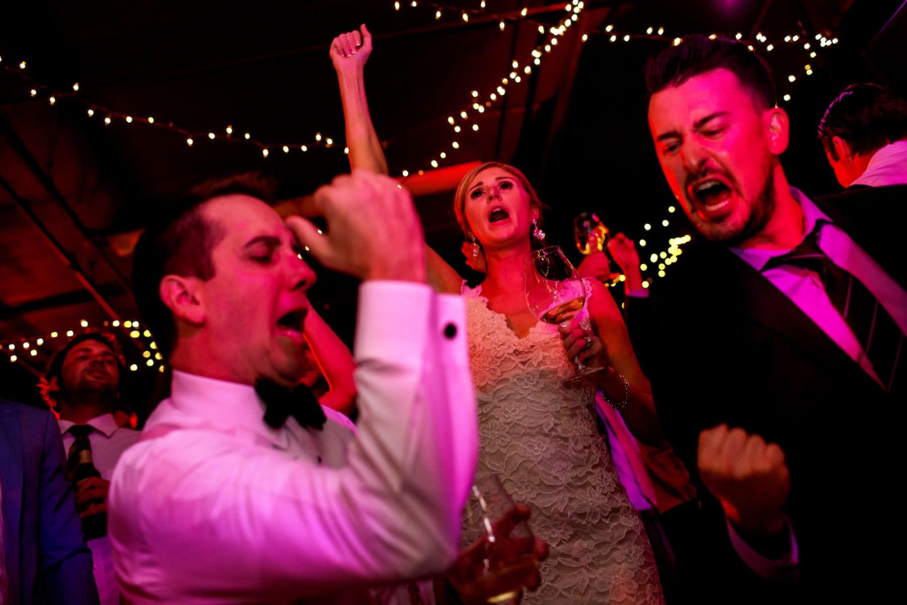 Willamette Valley Vineyards Wedding (4)