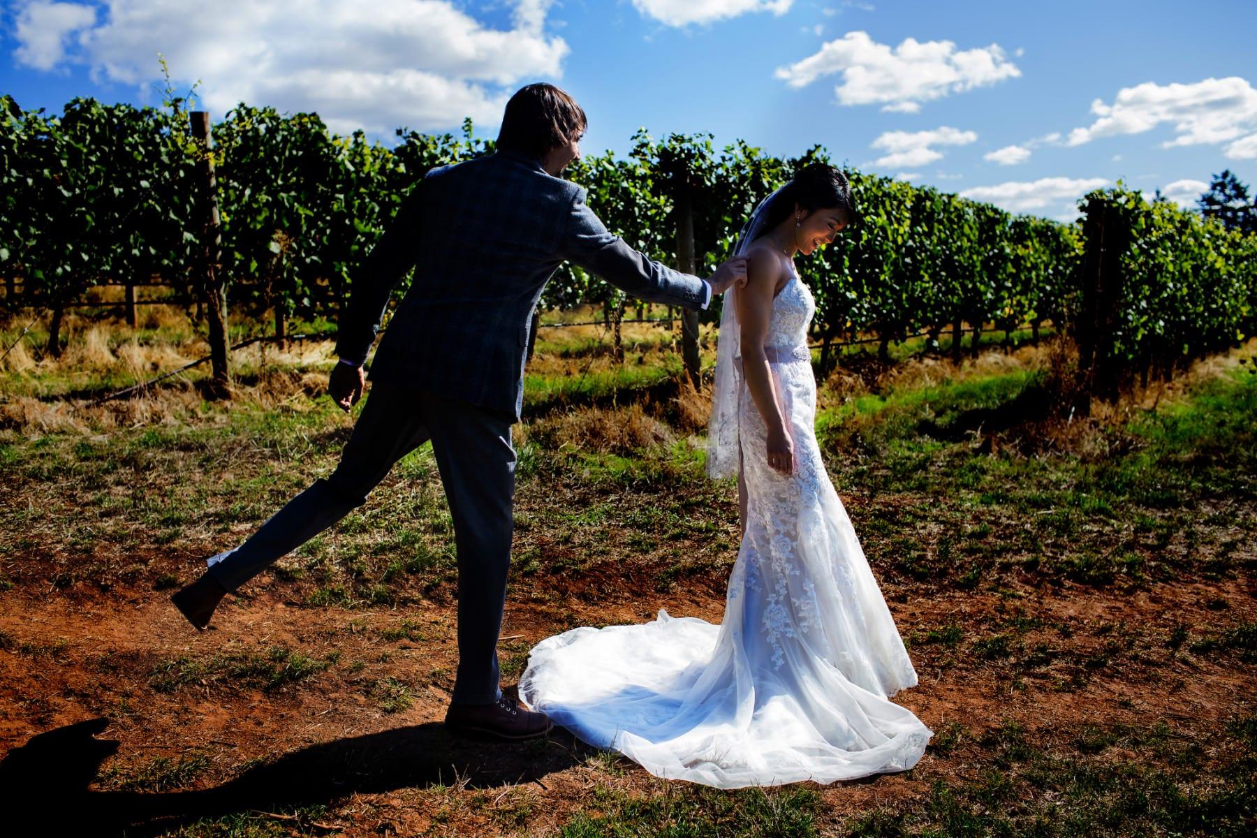 Vista Hills Vineyard Wedding (20)