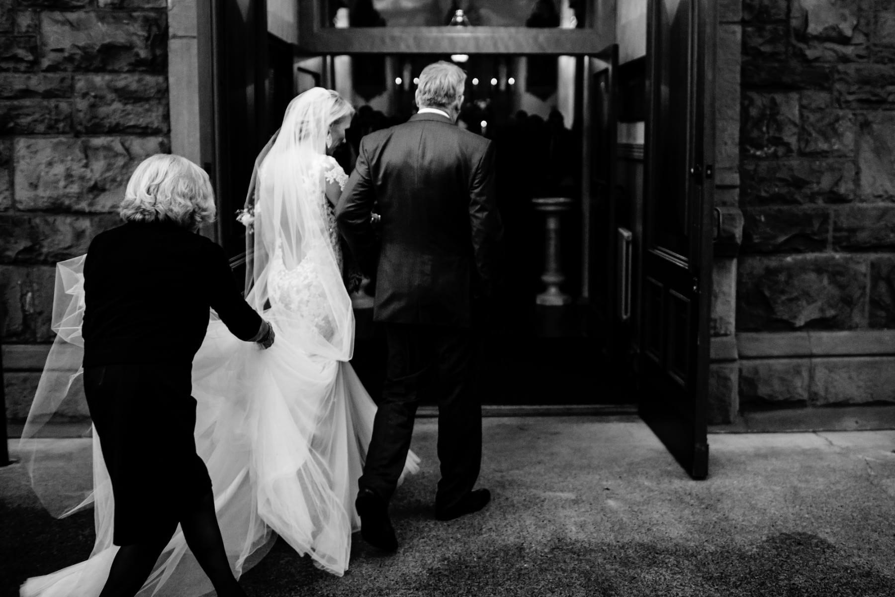 Blue Hour Wedding in Portland, Oregon (19)