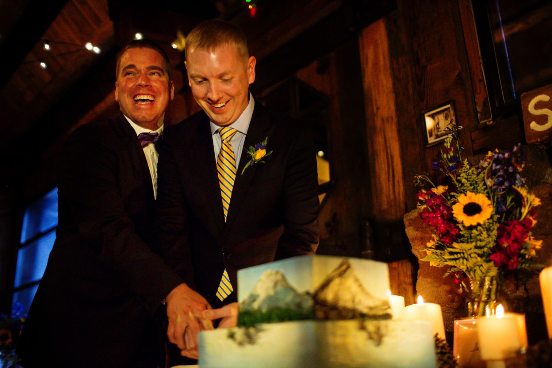 Silcox Hut Wedding at Timberline Lodge, Mt. Hood (13)