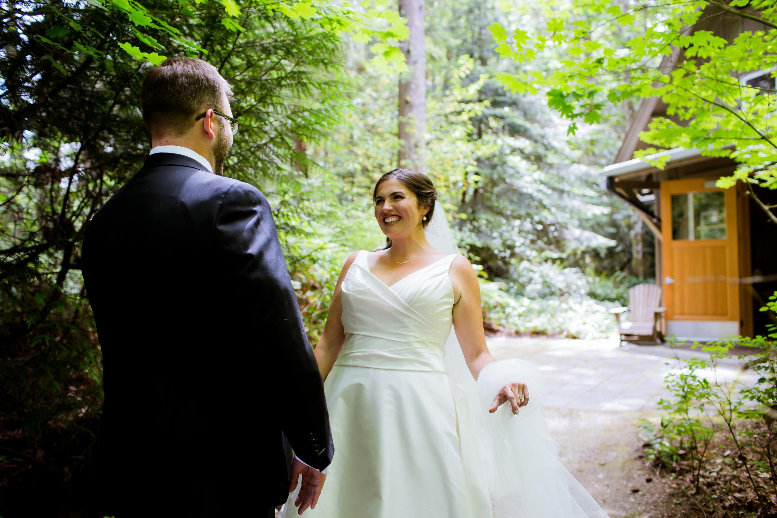 Islandwood_Retreat_Bambridge_Island_Washington_Wedding_009
