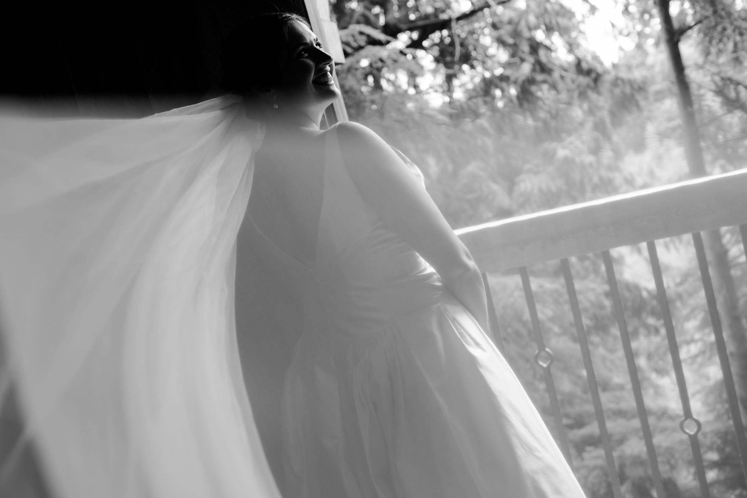 Islandwood_Retreat_Bambridge_Island_Washington_Wedding_016