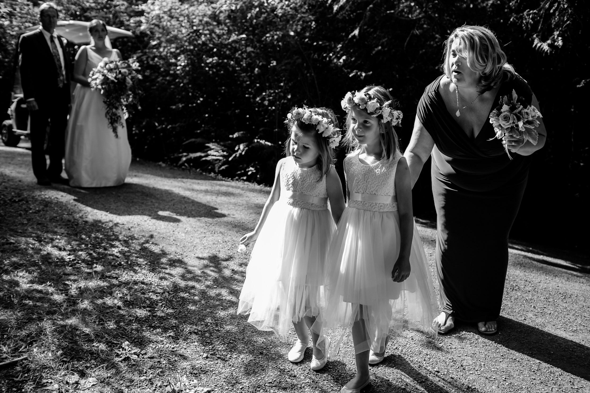 Islandwood_Retreat_Bambridge_Island_Washington_Wedding_019