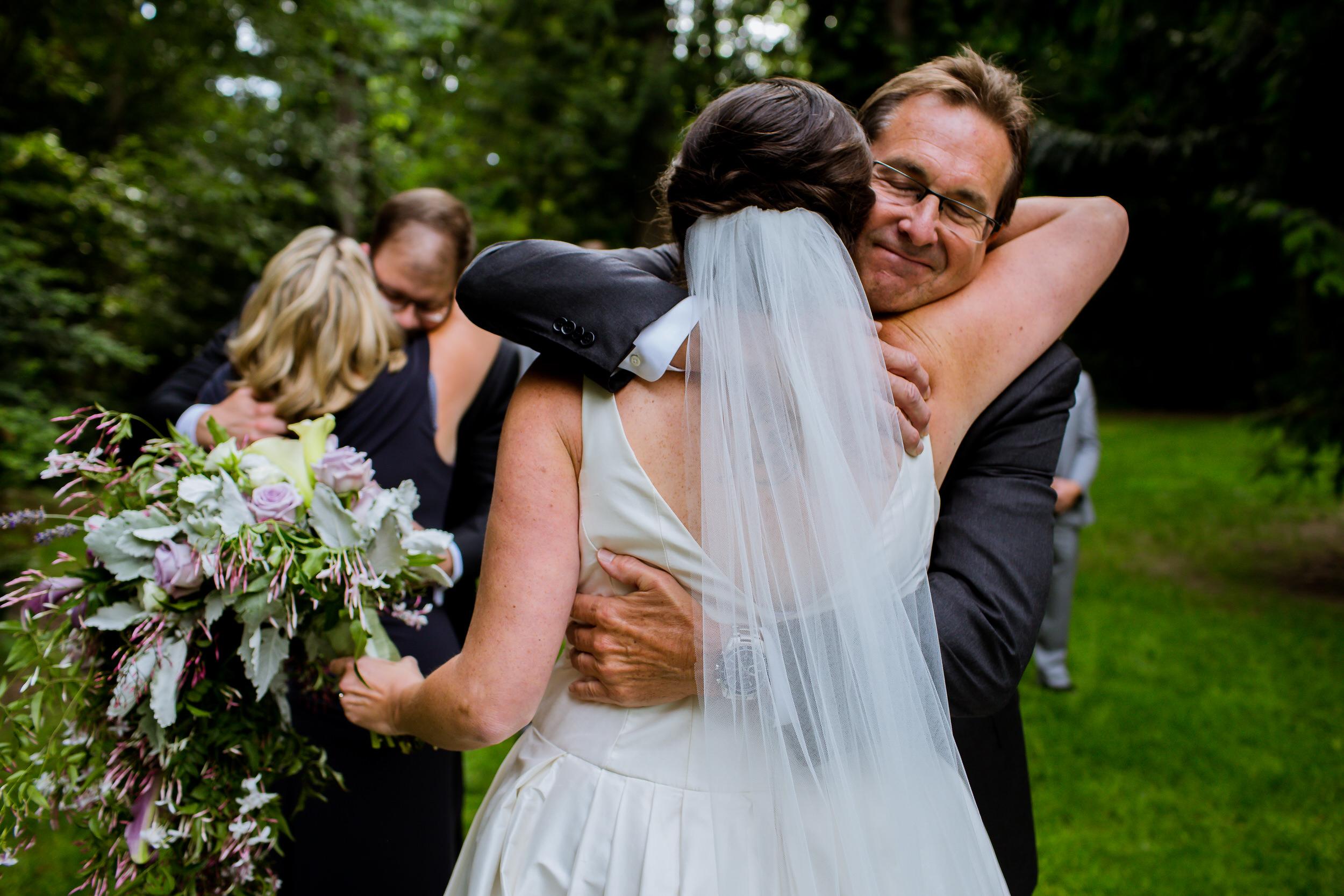 Islandwood_Retreat_Bambridge_Island_Washington_Wedding_020