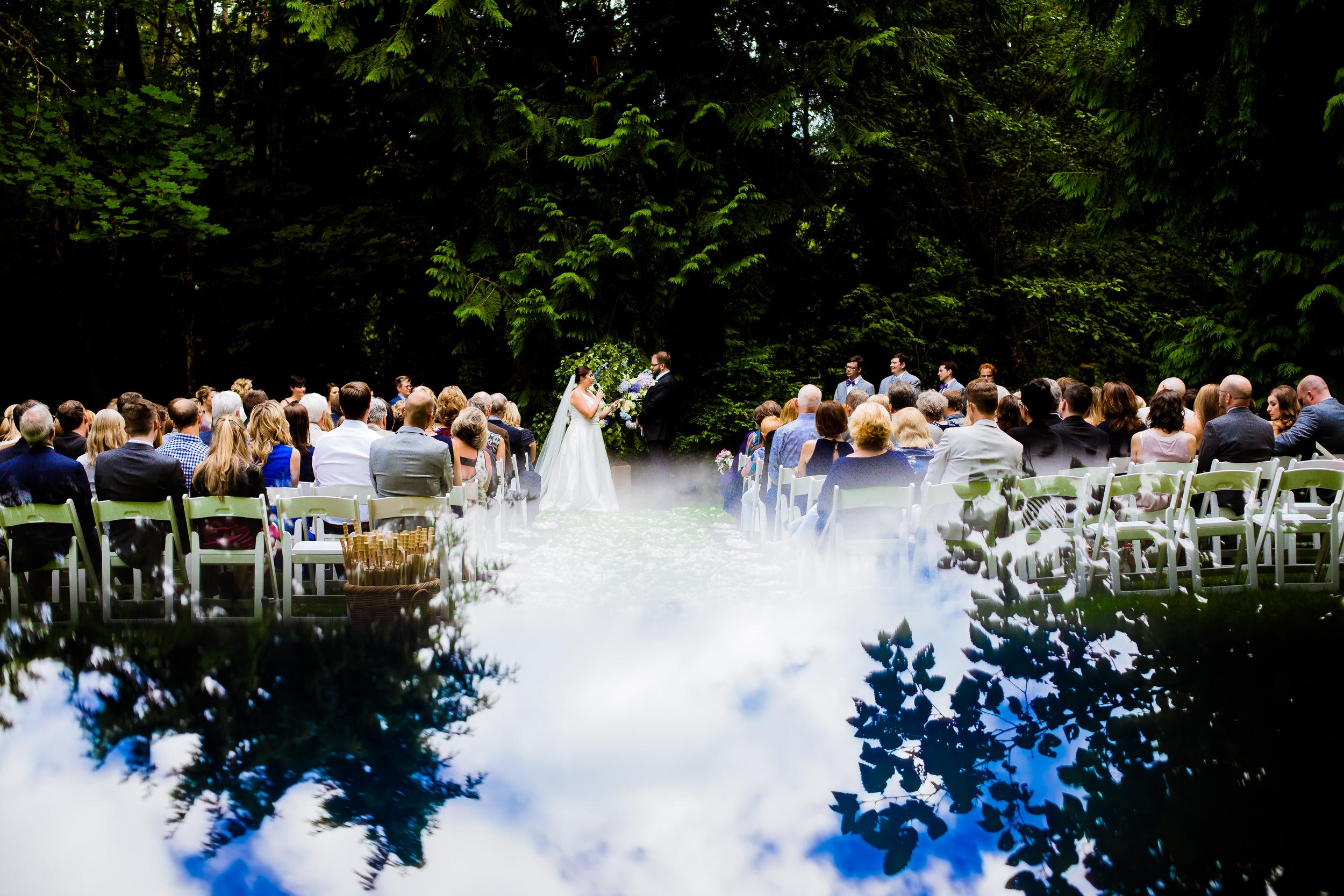 Islandwood_Retreat_Bambridge_Island_Washington_Wedding_027