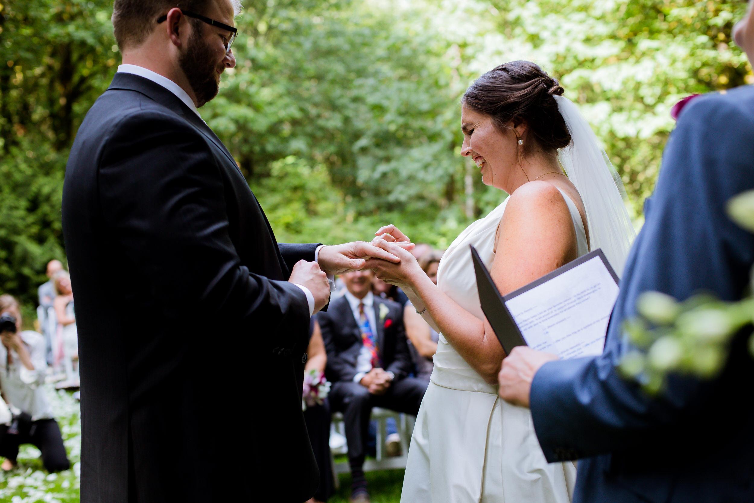 Islandwood_Retreat_Bambridge_Island_Washington_Wedding_028