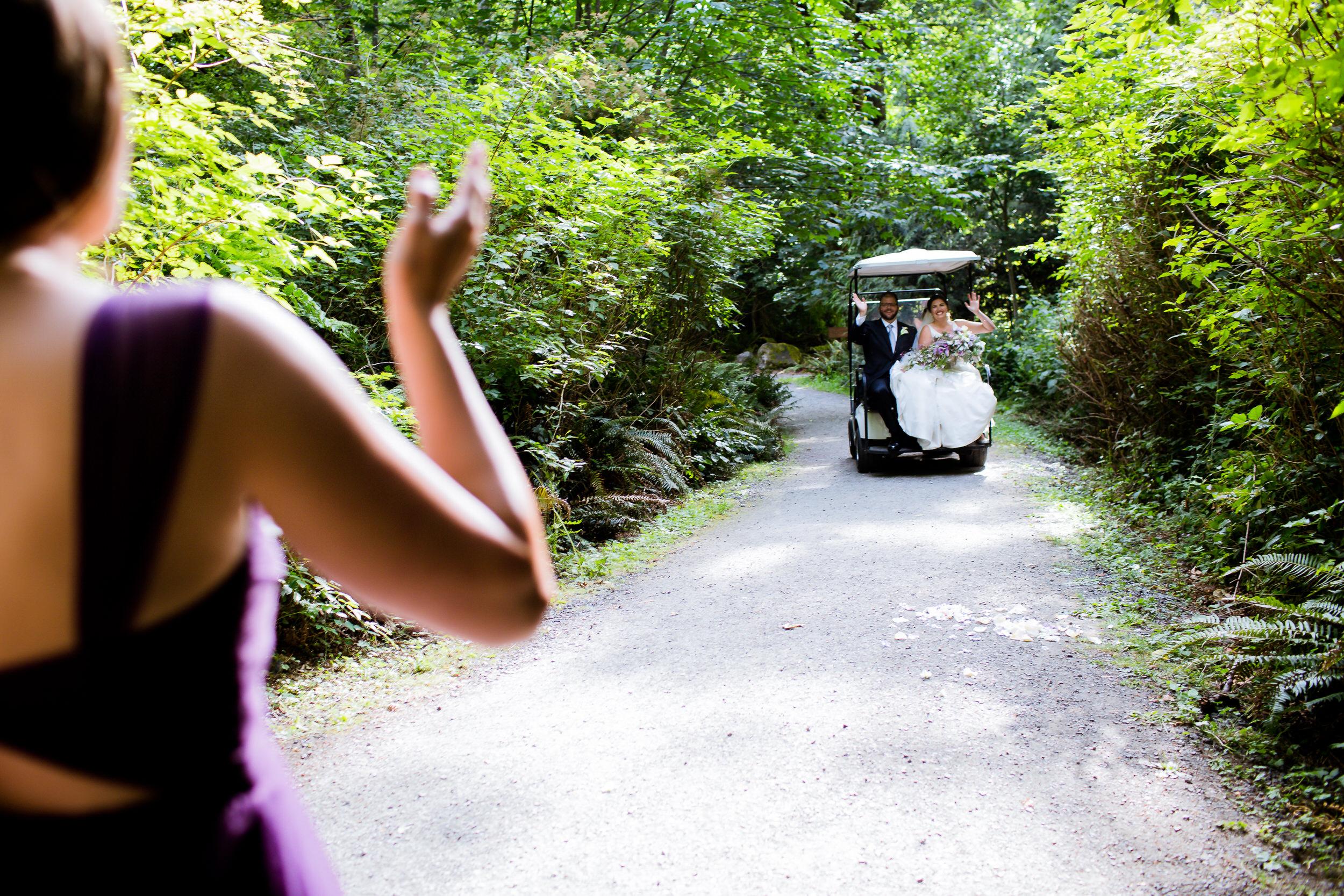 Islandwood_Retreat_Bambridge_Island_Washington_Wedding_033