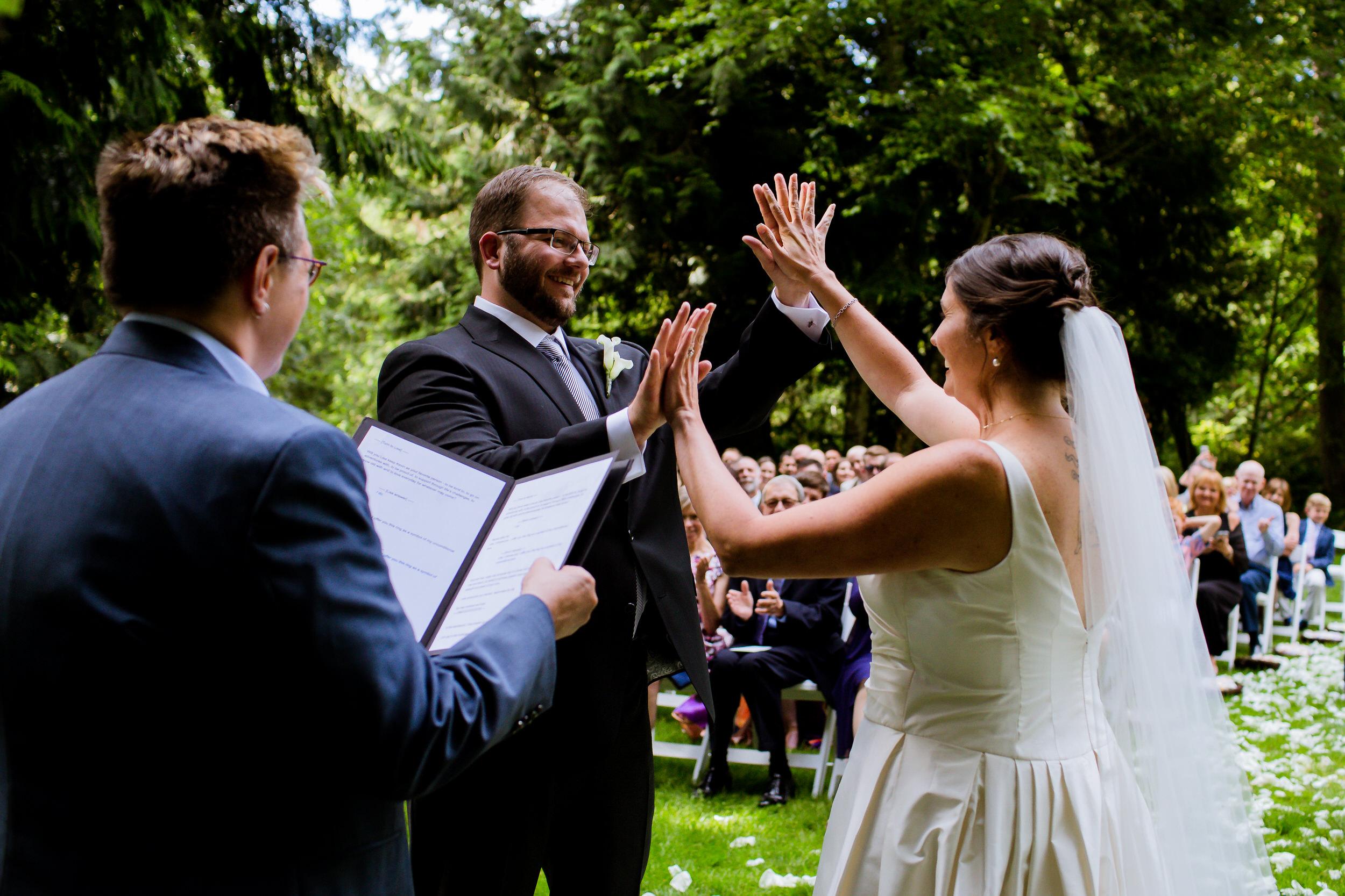 Islandwood_Retreat_Bambridge_Island_Washington_Wedding_034