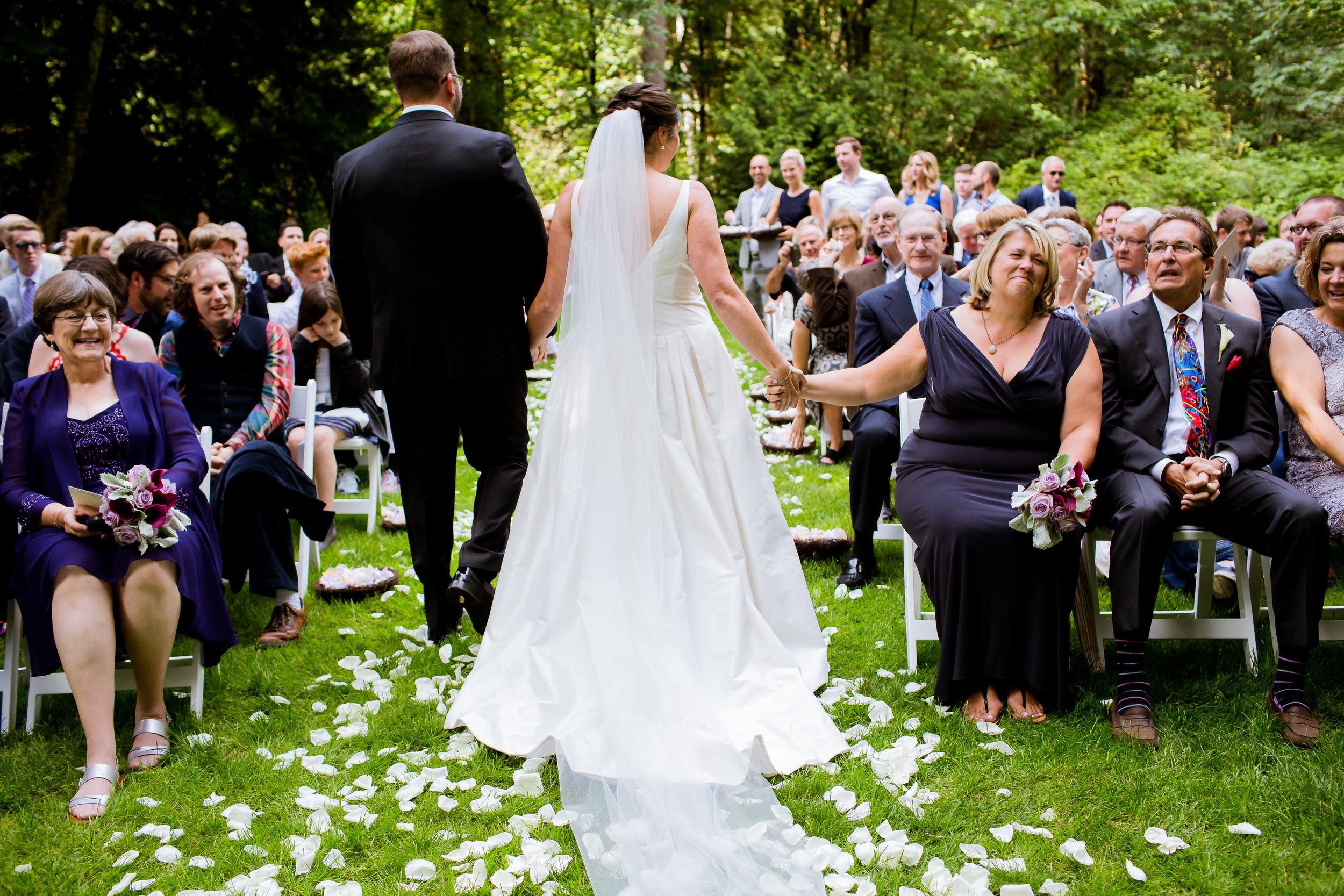 Islandwood_Retreat_Bambridge_Island_Washington_Wedding_037