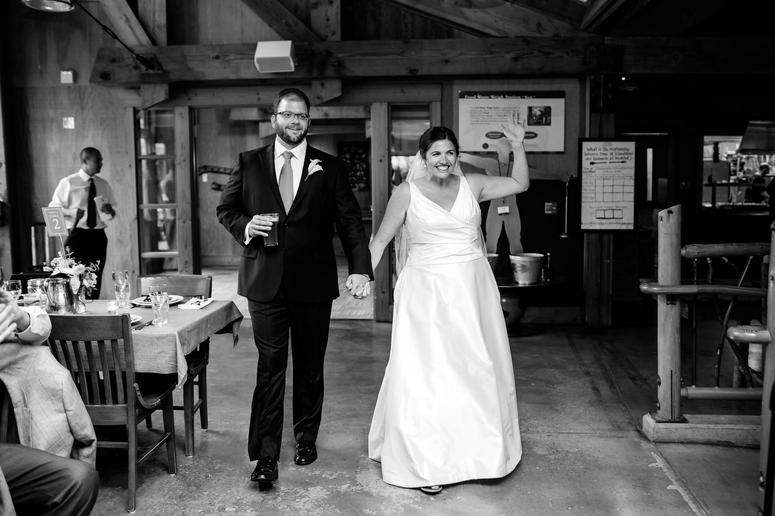 Islandwood_Retreat_Bambridge_Island_Washington_Wedding_038