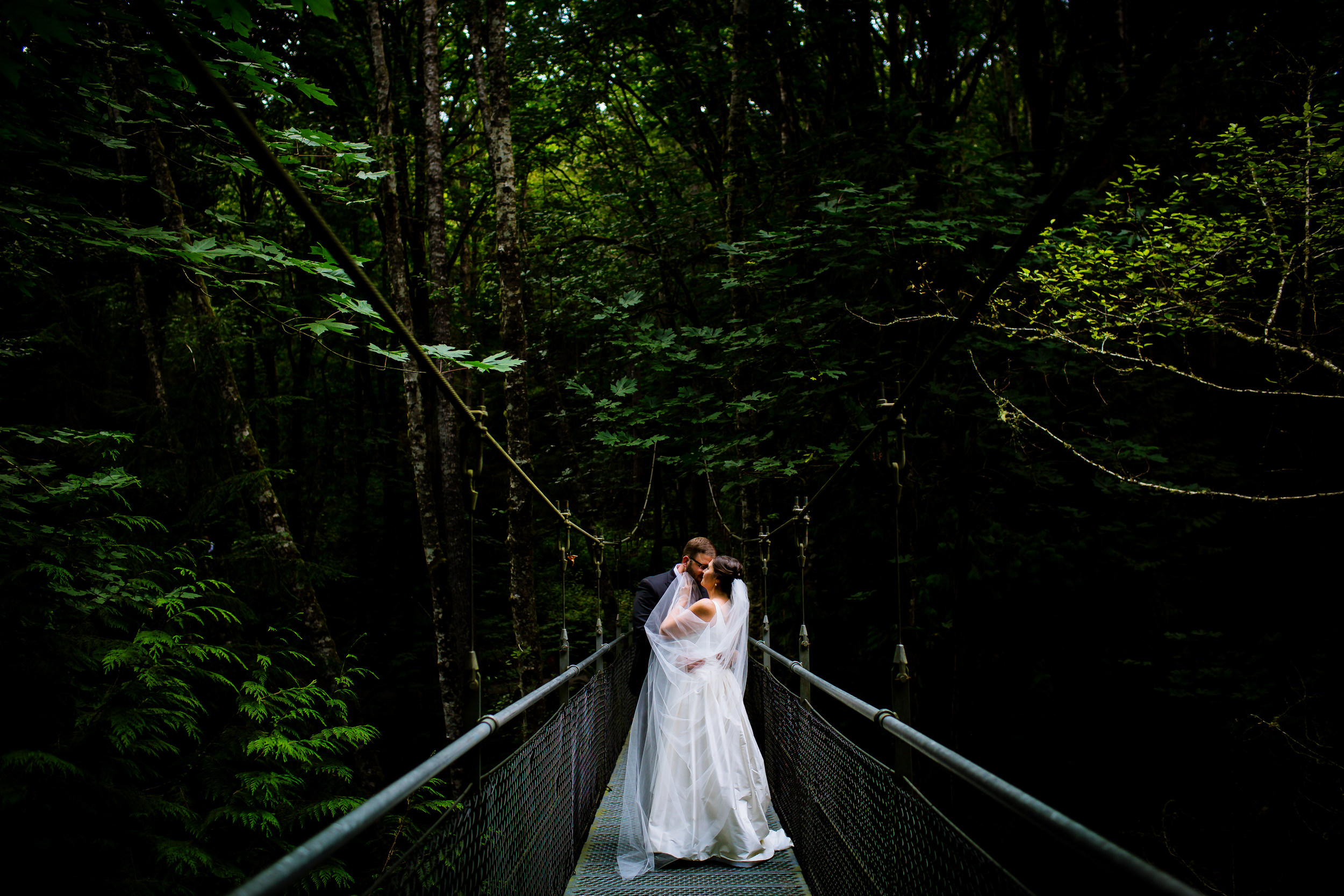 Islandwood_Retreat_Bambridge_Island_Washington_Wedding_050