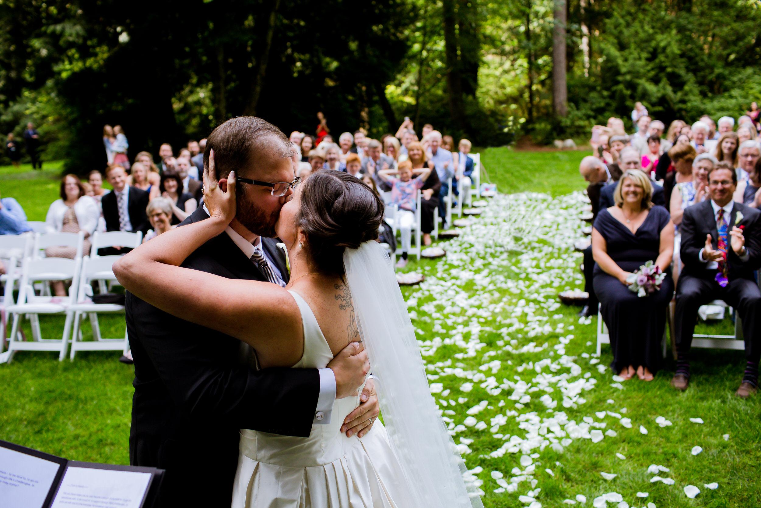 Islandwood_Retreat_Bambridge_Island_Washington_Wedding_057