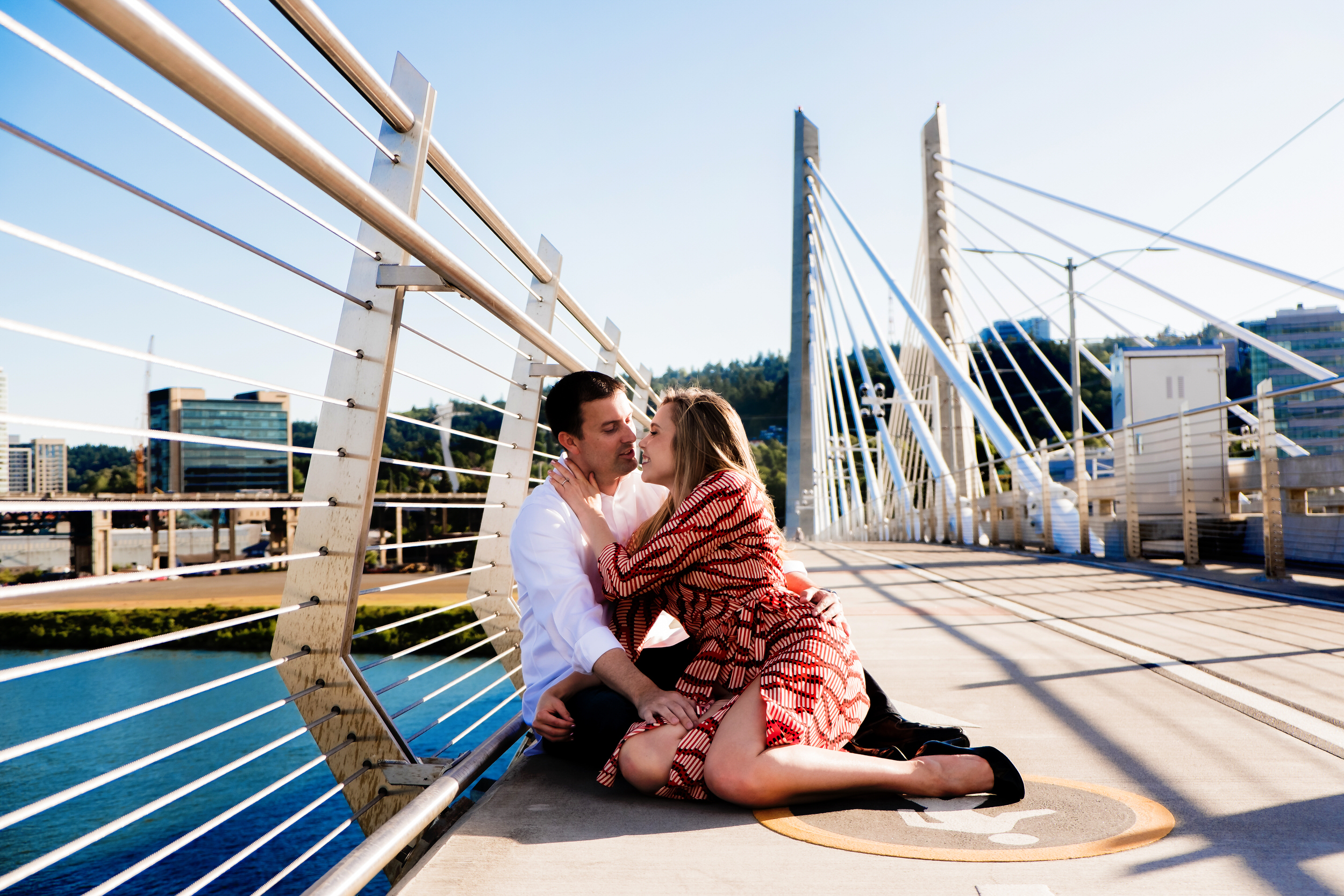 Tilikum Bridge Crossing Engagement Shoot Photos004