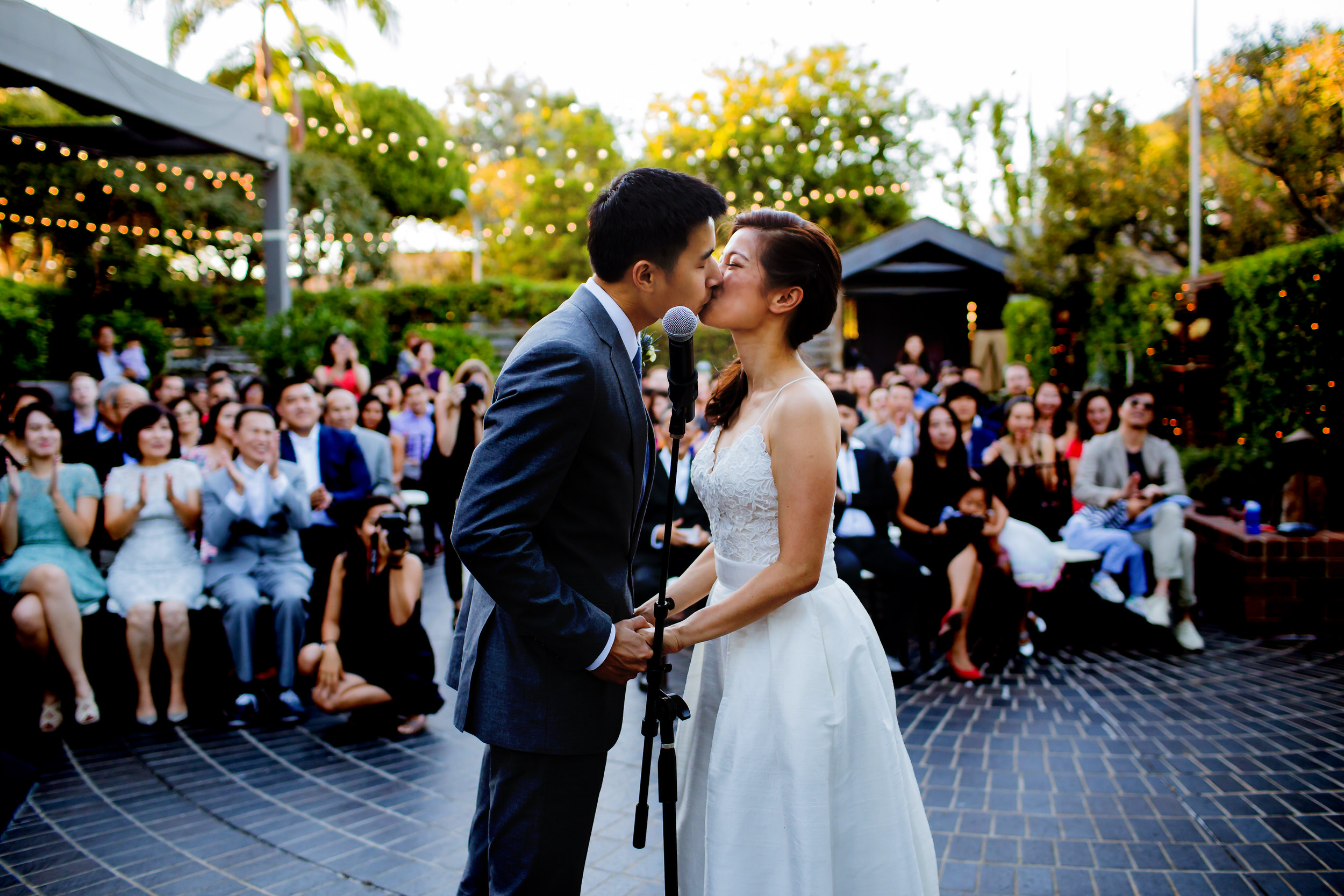 A fun LA Wedding in the city of Santa Monica at a great urban venue - Tiato Kitchen Market Garden Venue Wedding Santa Monica_004