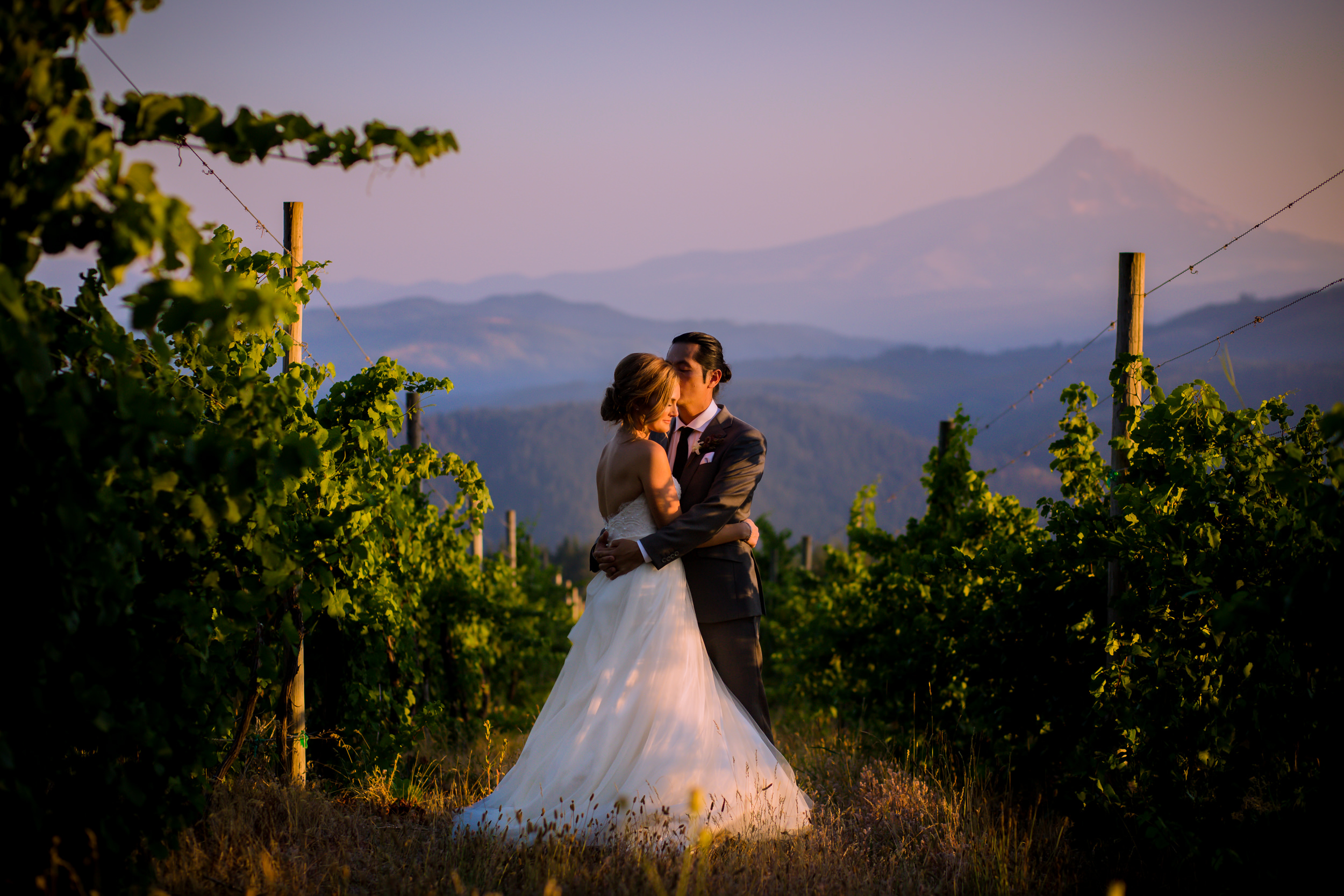 gorge_crest_vineyards_wedding_001