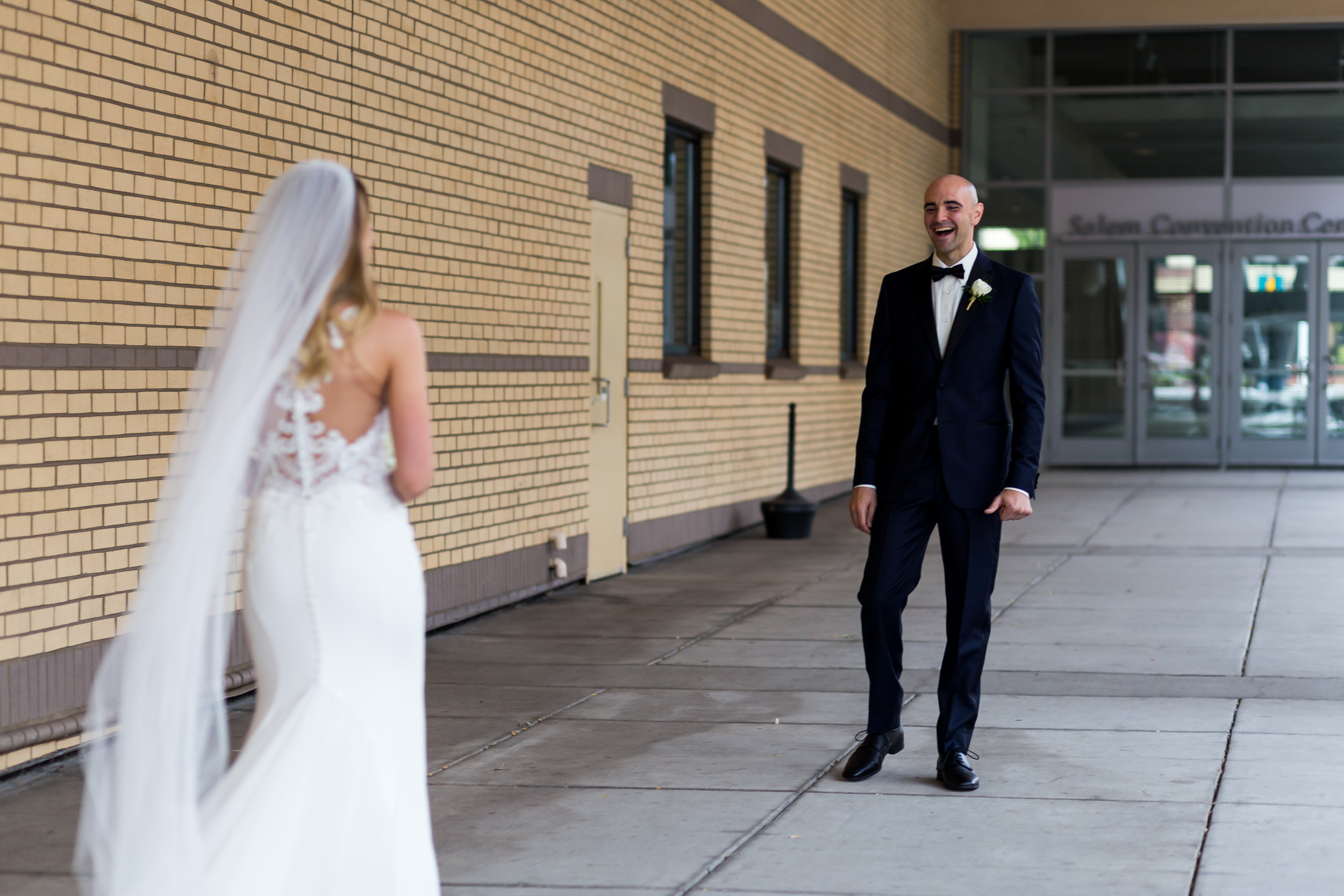 salem_convention_center_wedding_stark_photography_009
