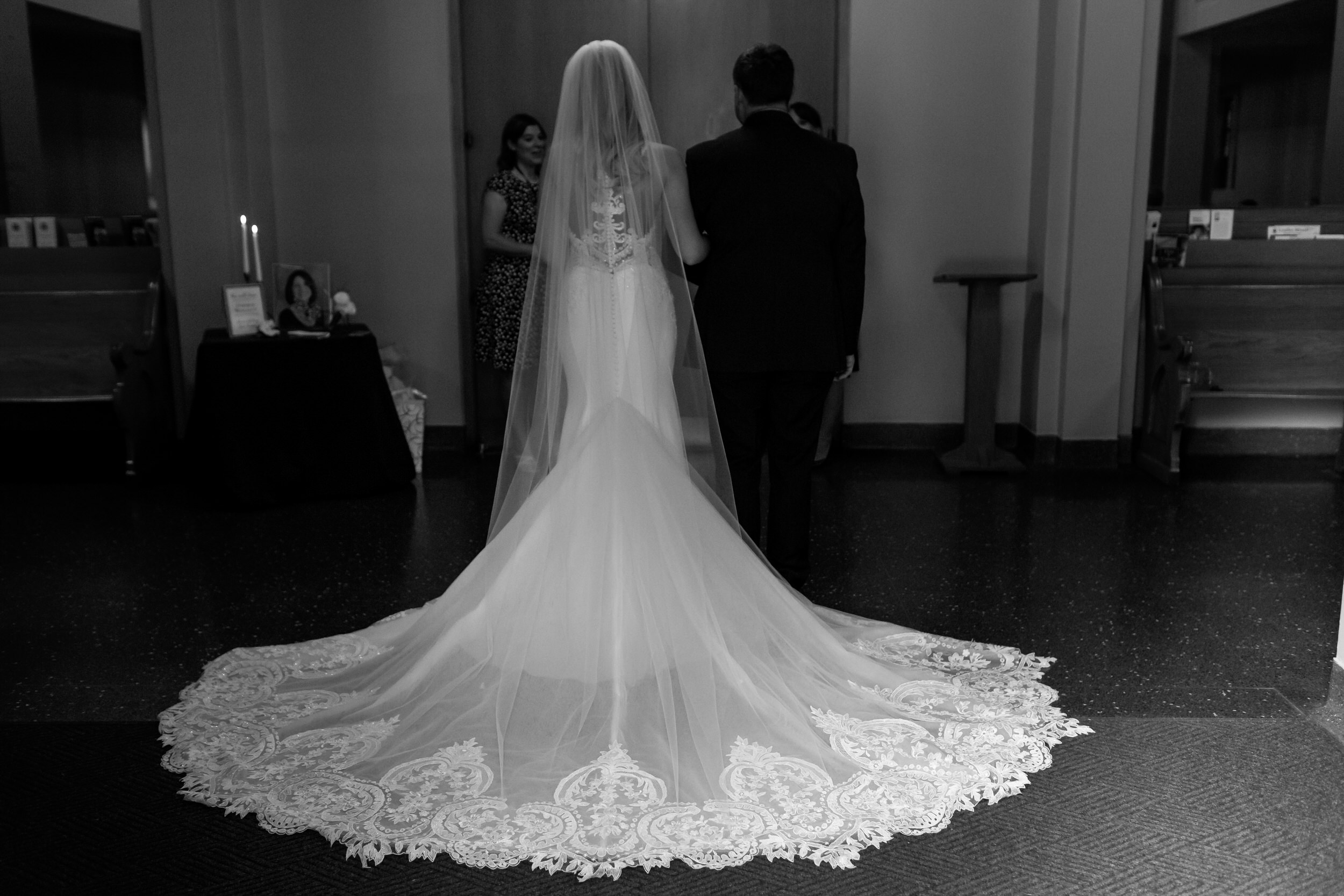 salem_convention_center_wedding_stark_photography_012