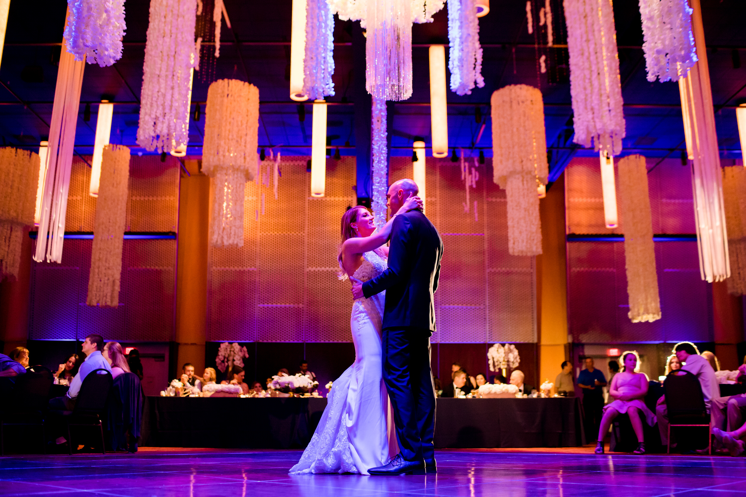 salem_convention_center_wedding_stark_photography_028
