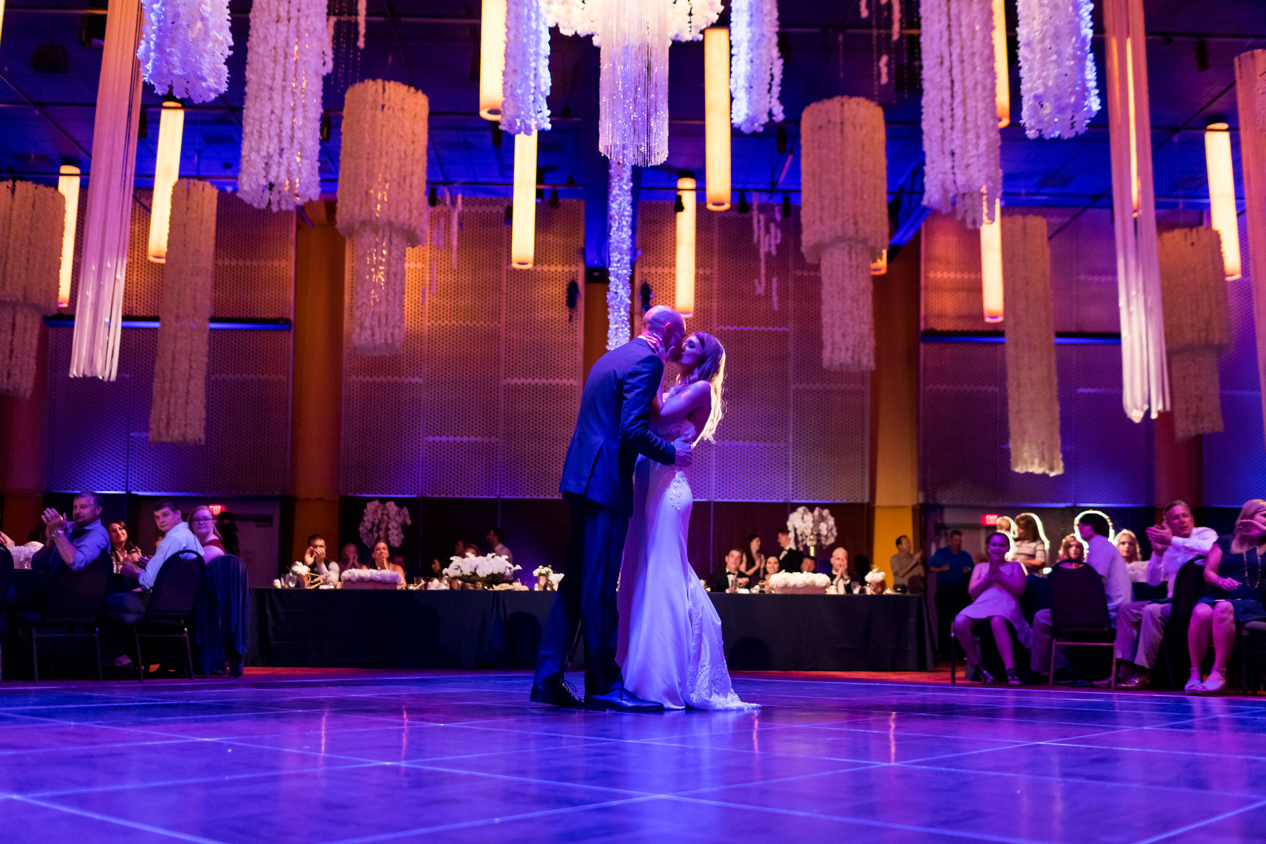 salem_convention_center_wedding_stark_photography_030