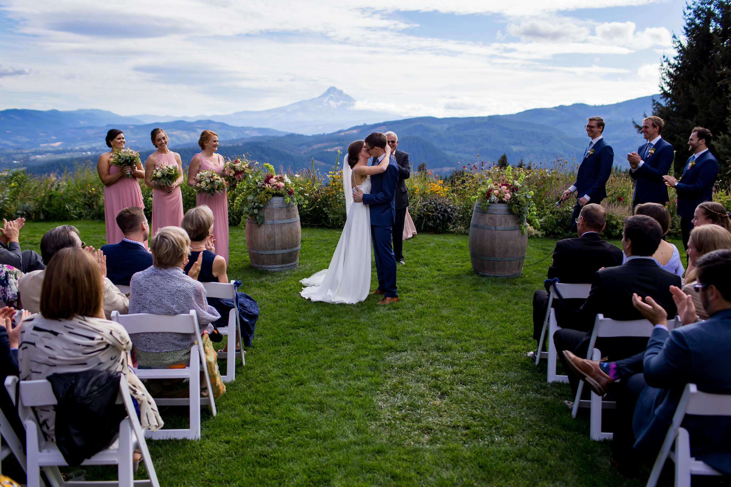 Gorge_Crest_Vineyards_Wedding_Stark_Photography_004