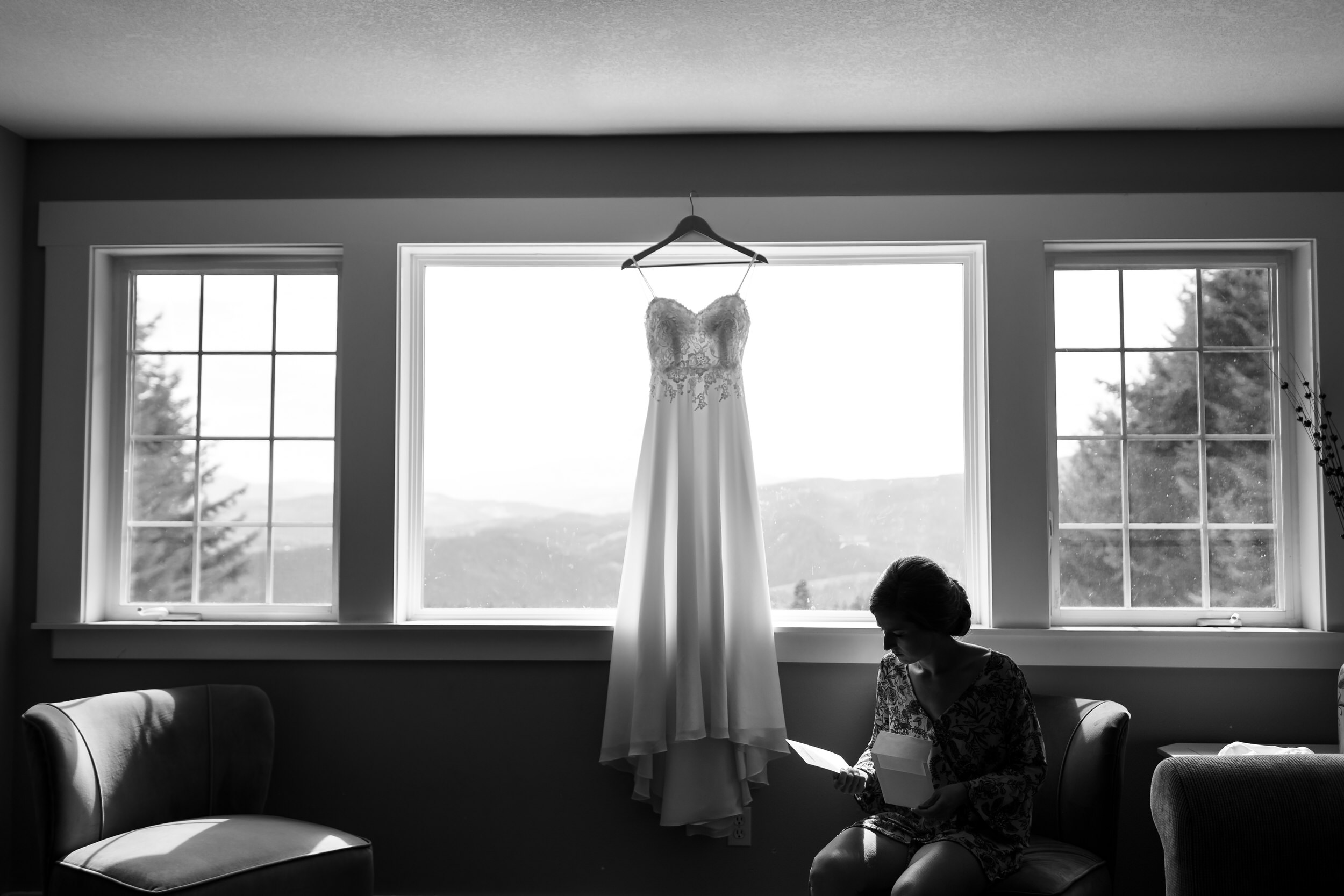 Gorge_Crest_Vineyards_Wedding_Stark_Photography_015