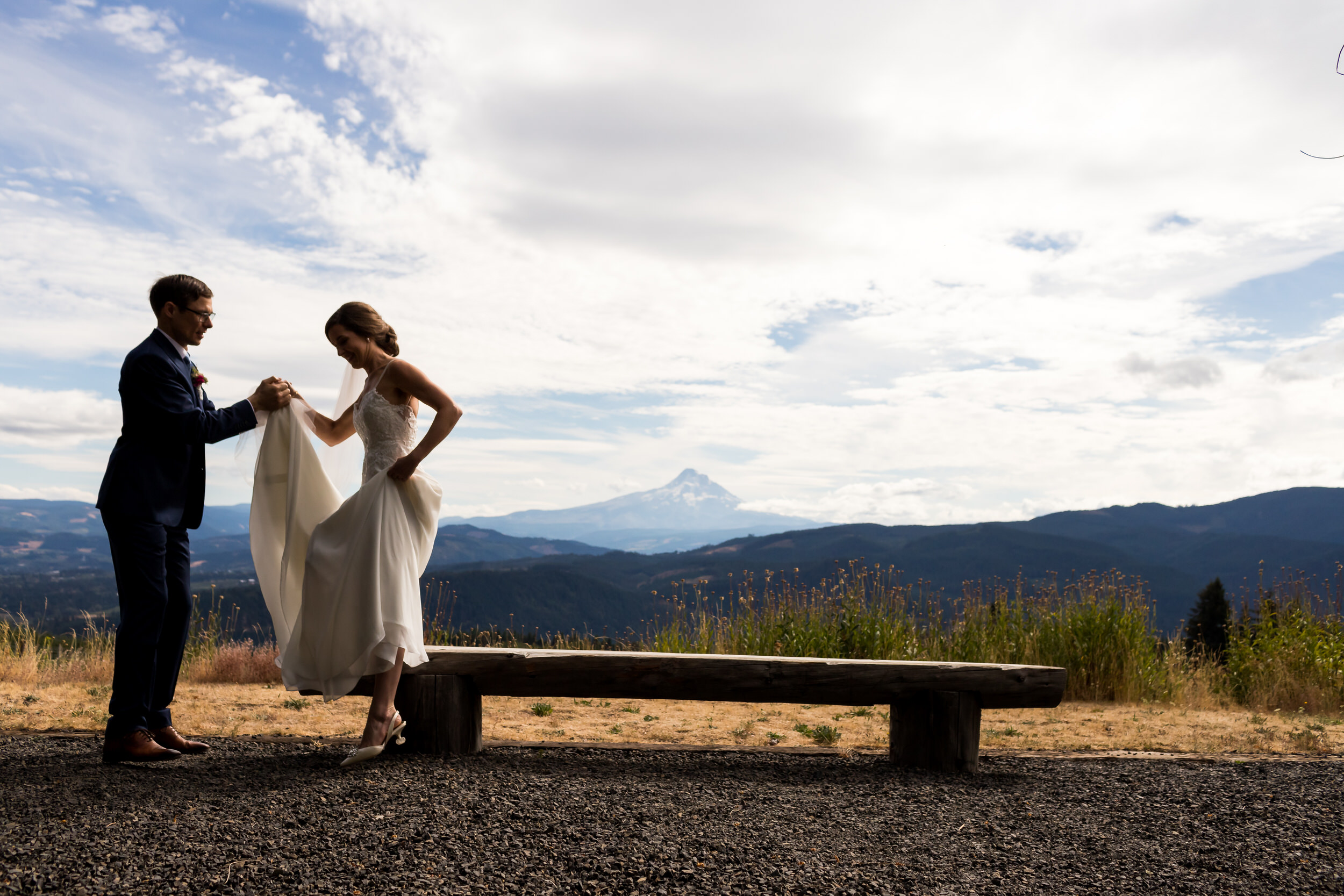 Gorge_Crest_Vineyards_Wedding_Stark_Photography_025