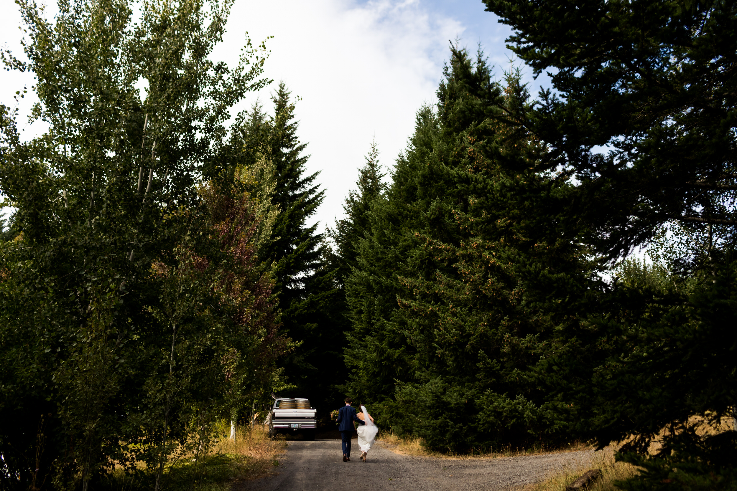 Gorge_Crest_Vineyards_Wedding_Stark_Photography_026