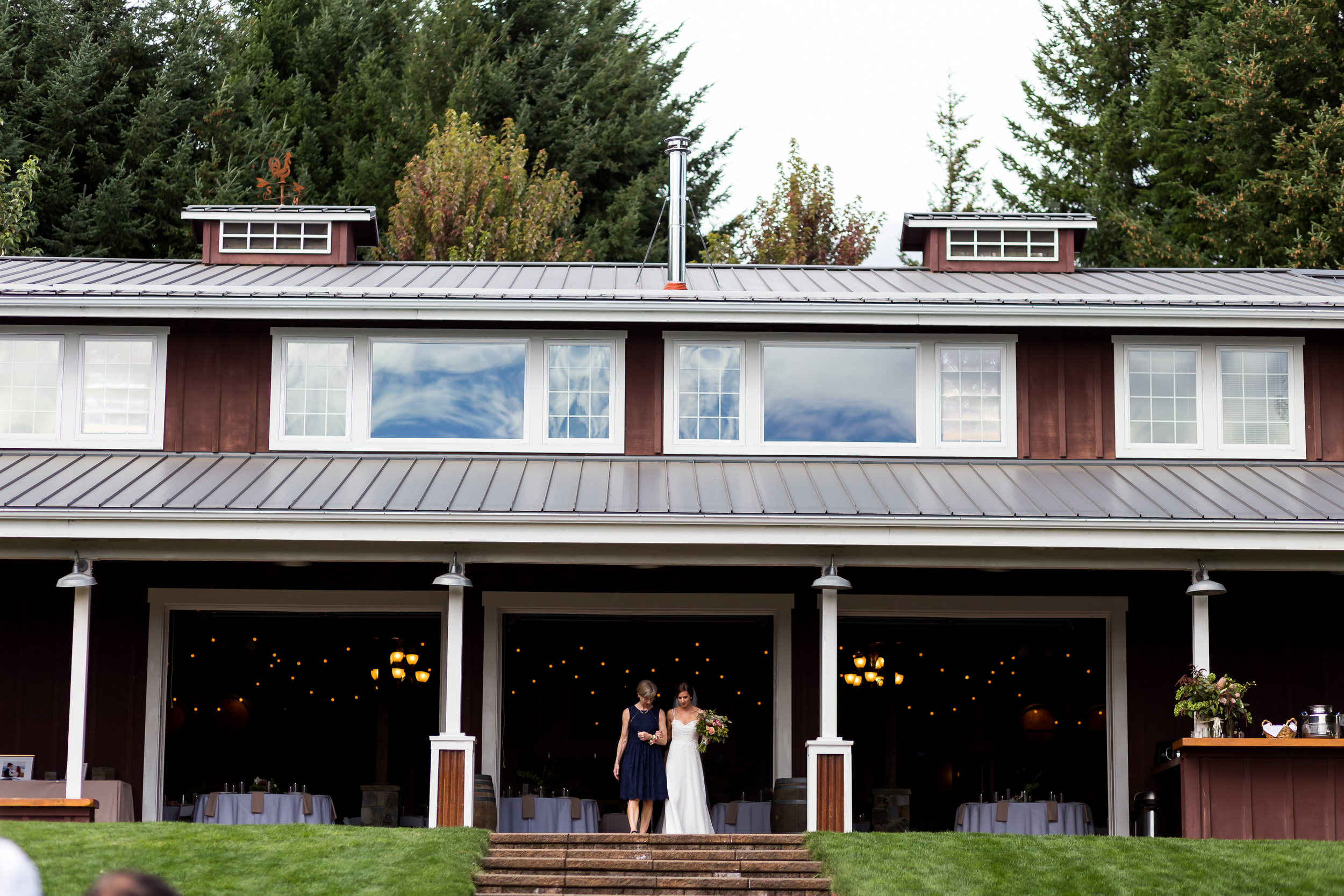 Gorge_Crest_Vineyards_Wedding_Stark_Photography_029