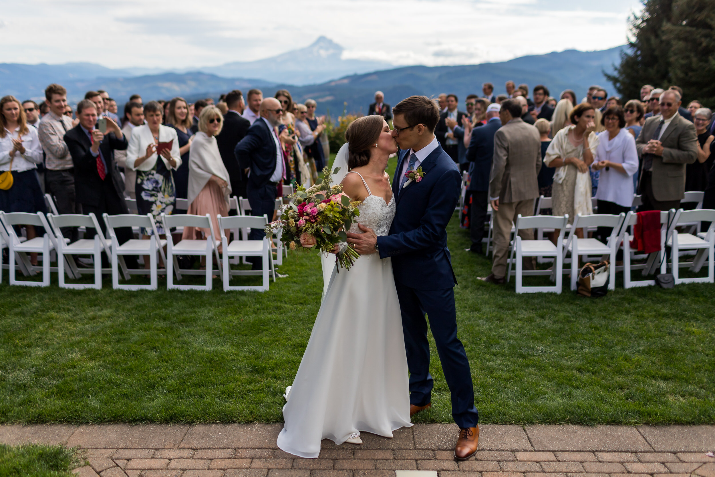 Gorge_Crest_Vineyards_Wedding_Stark_Photography_038