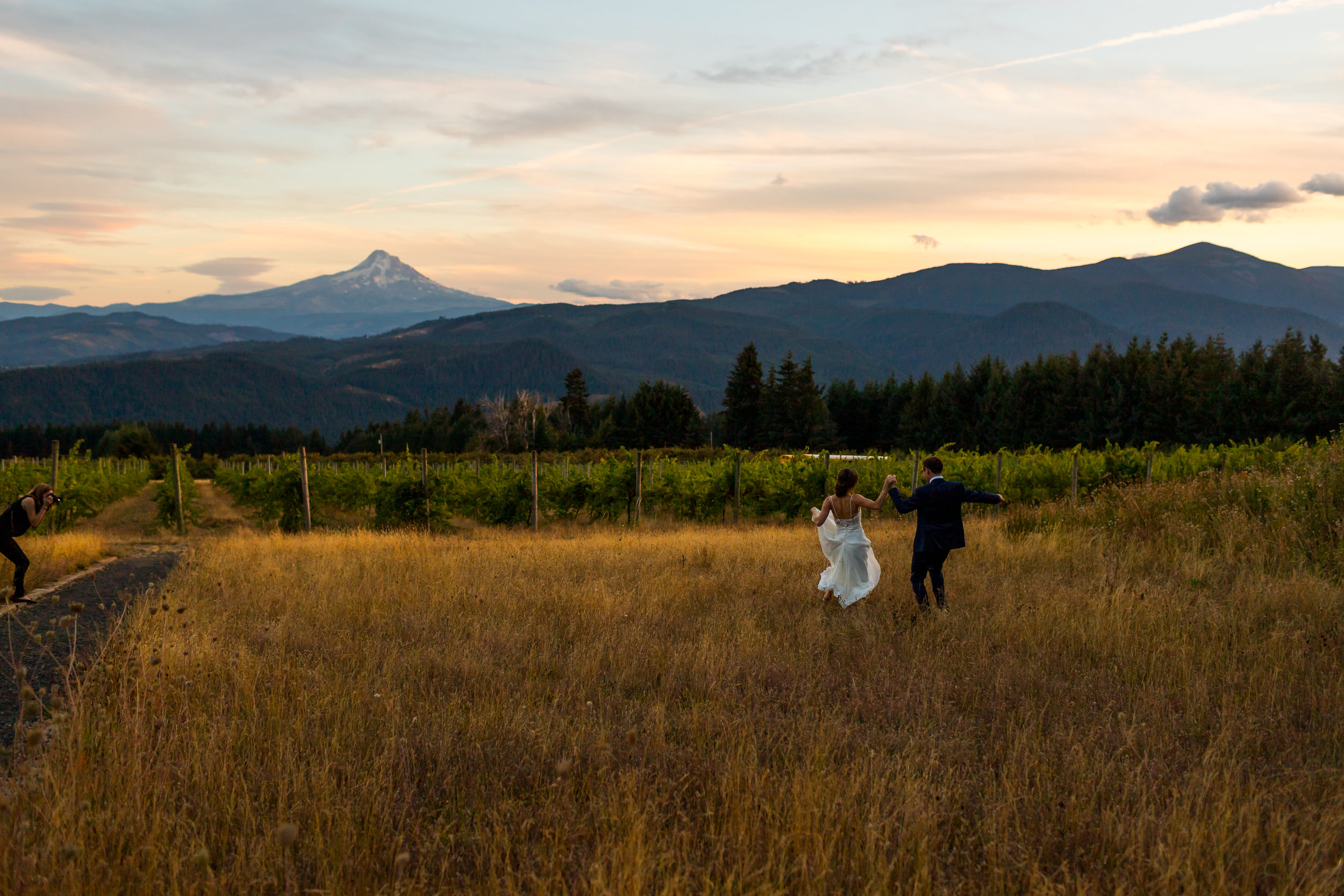 Gorge_Crest_Vineyards_Wedding_Stark_Photography_051