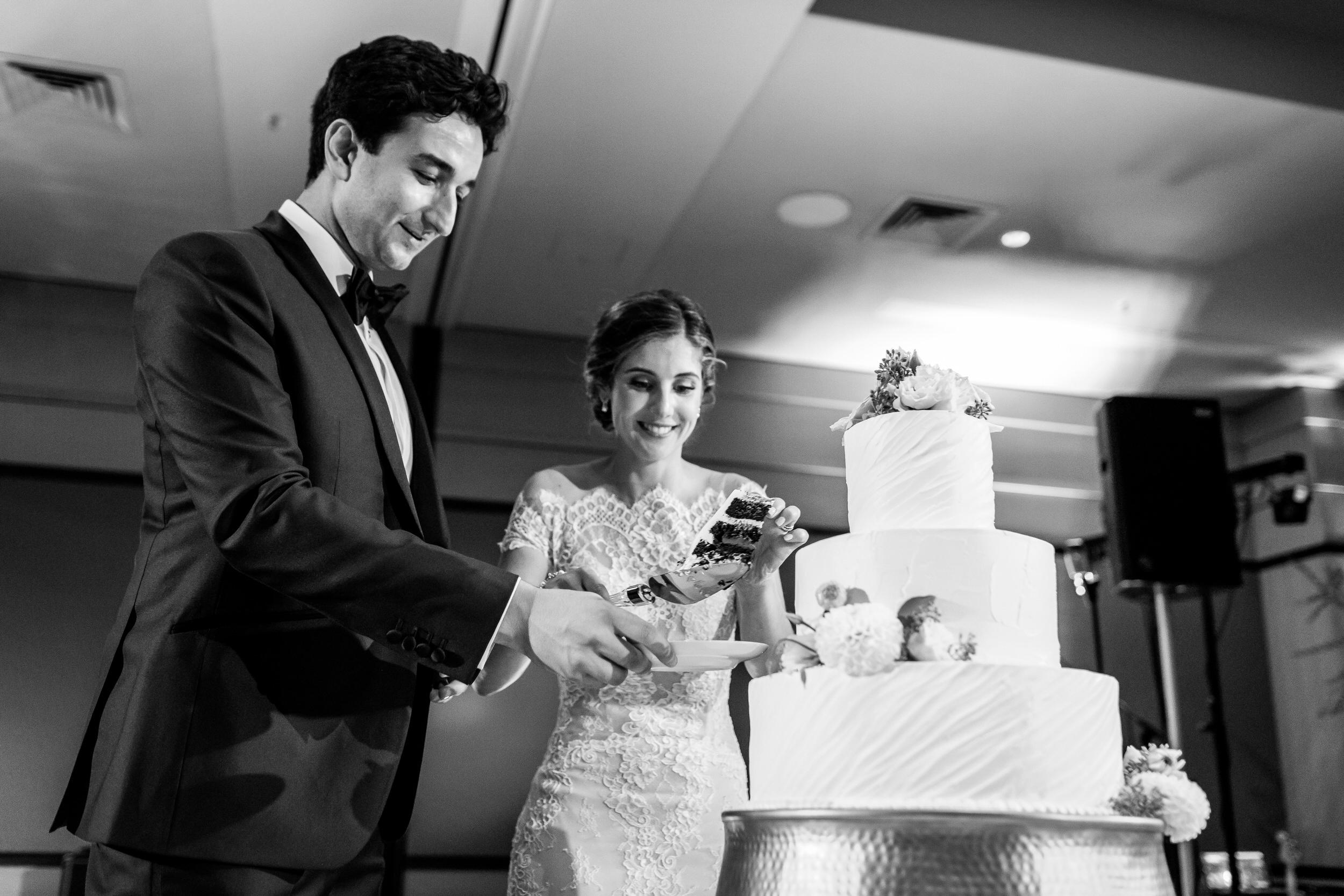 jake_marisa_allison_inn_wedding_starkphotography_054