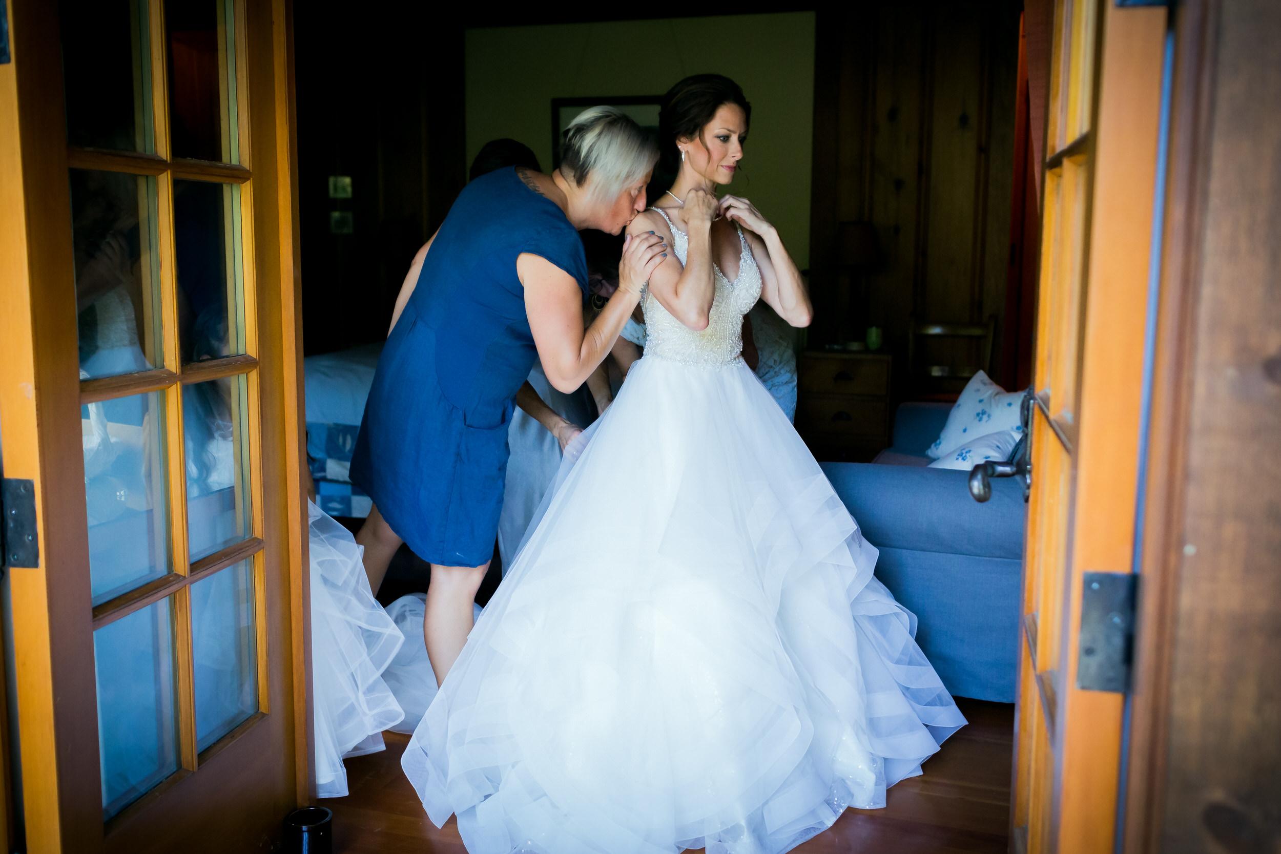 house_on_metolius_wedding_JL_005