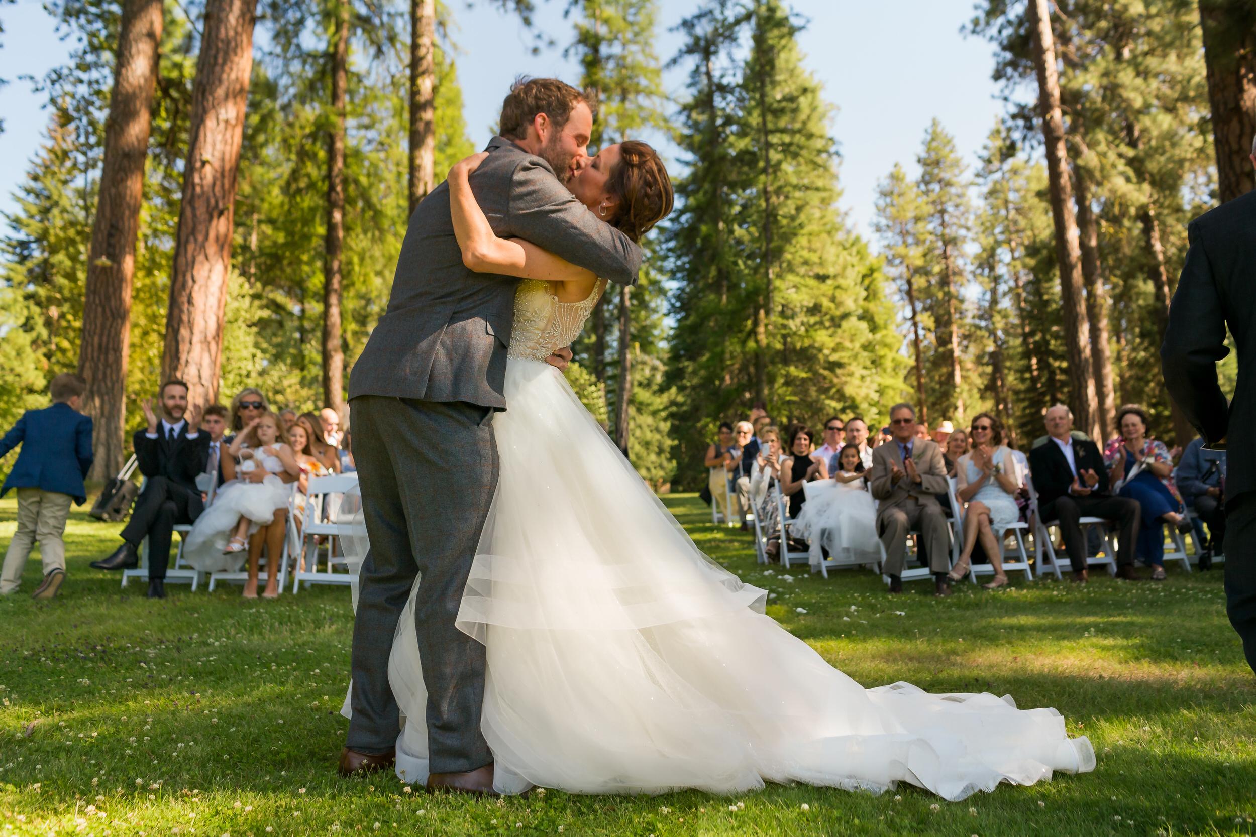 house_on_metolius_wedding_JL_020